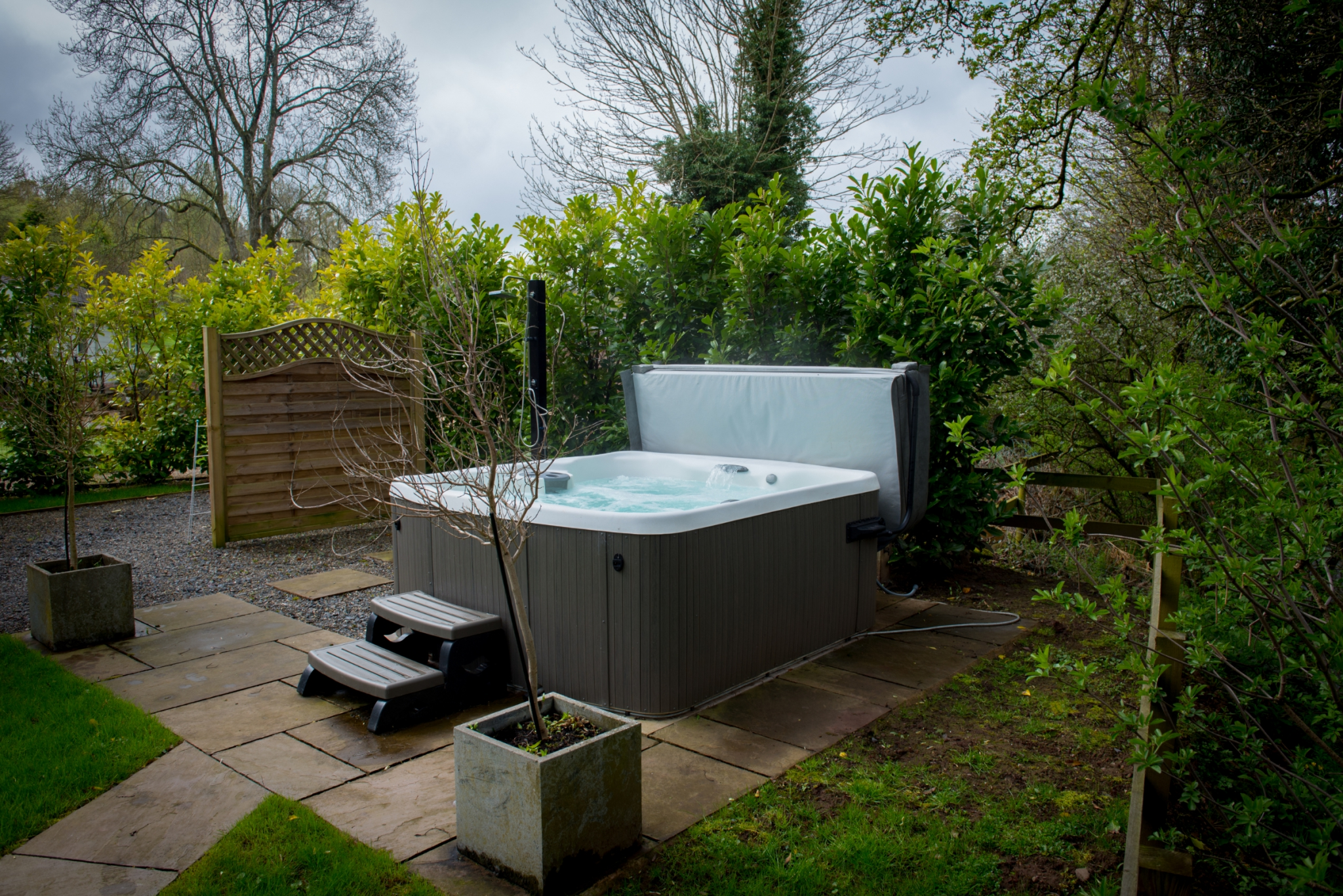 Outdoor hot tub at The Snug