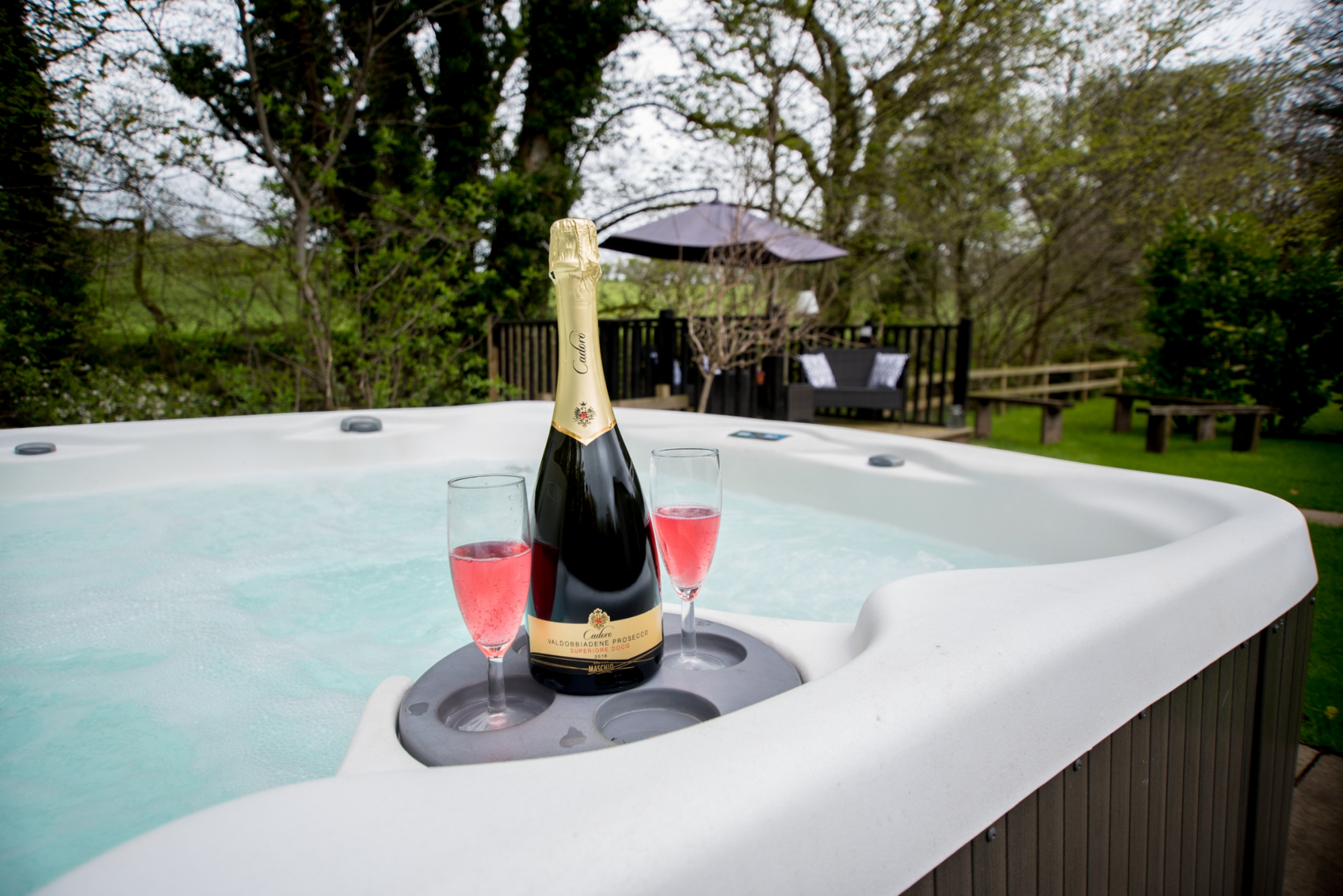 Carwinley Retreat Hot Tub & Prosecco